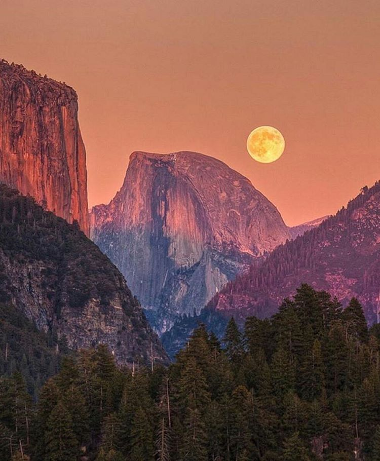 The moon hangs low over Yosemite, CA | Courtesy of @jeffsullivanphotography