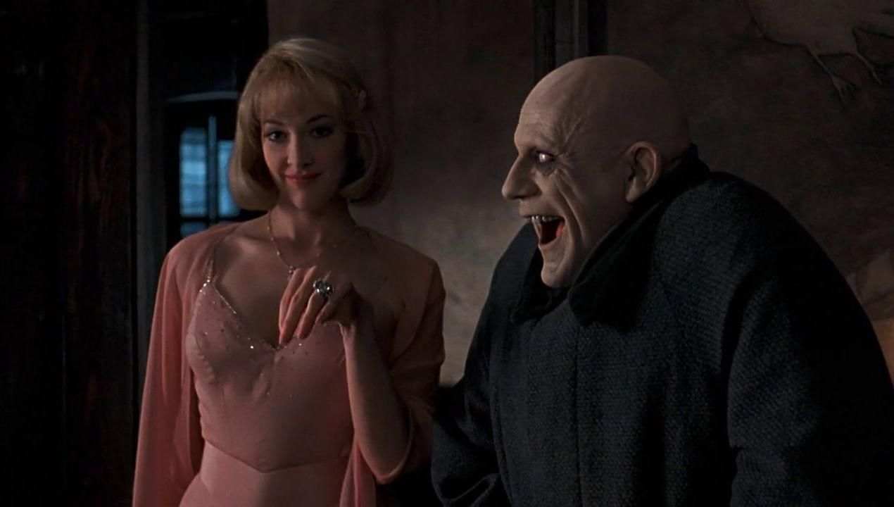Uncle fester the addams family pinterest - Debbie Jellinsky Addams Joan Cusack Addams Family Values 1993