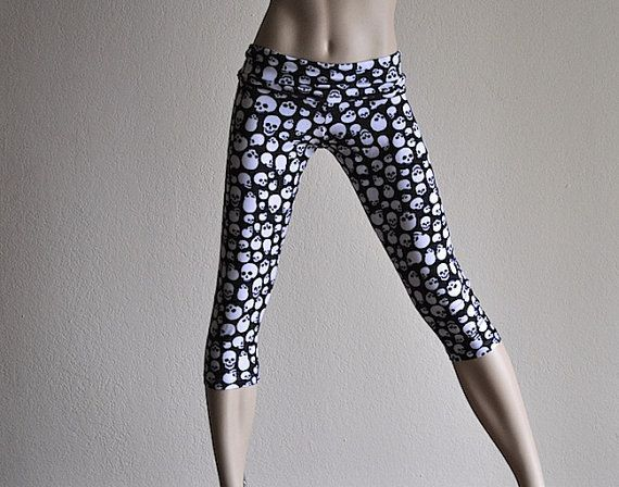hot-yoga-fitness-capri-pants-sculls-item #Capri #Clothes #Fitness #fold #handmade #High #Hot #Pants...