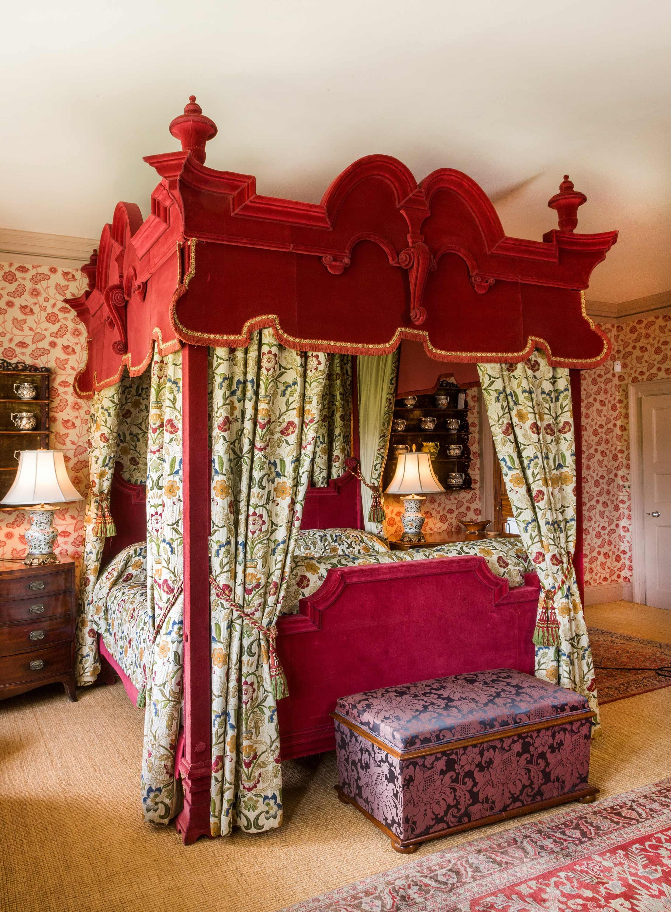 Four Poster Bed, large, 17th century style, entirely