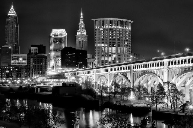 Downtown cleveland ohio skyline downtown cleveland for Cleveland skyline tattoo