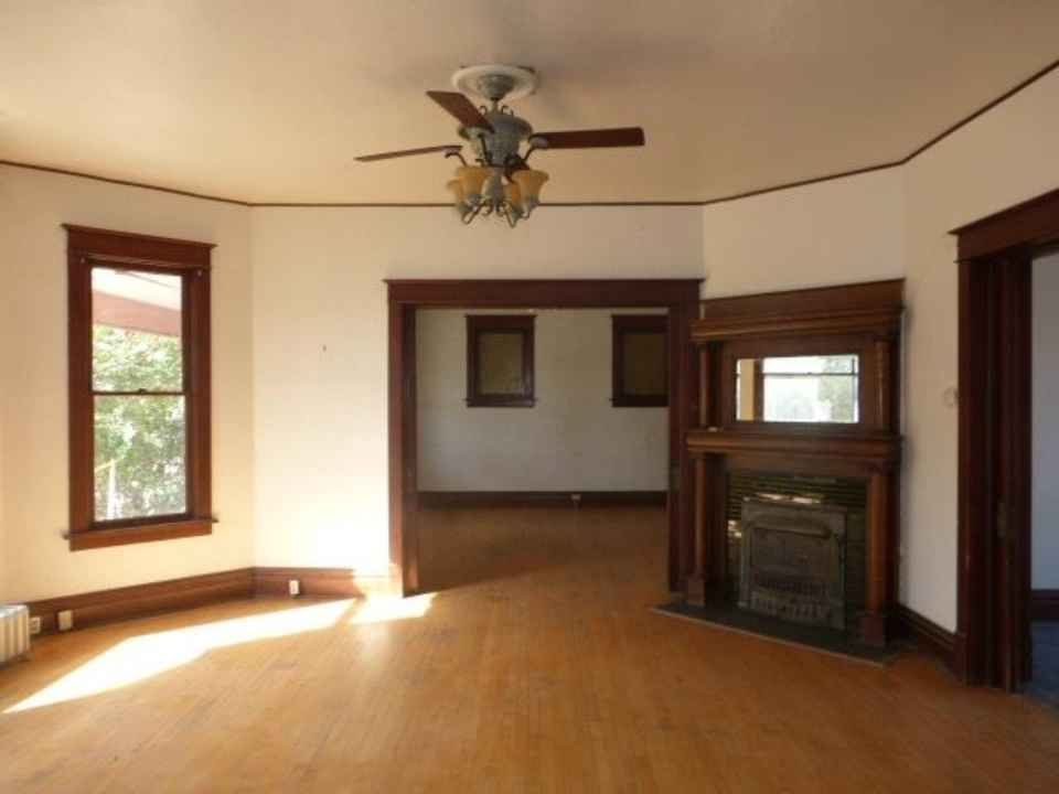 1908 Queen Anne - Twin Falls, ID - $49,900 - Old House Dreams