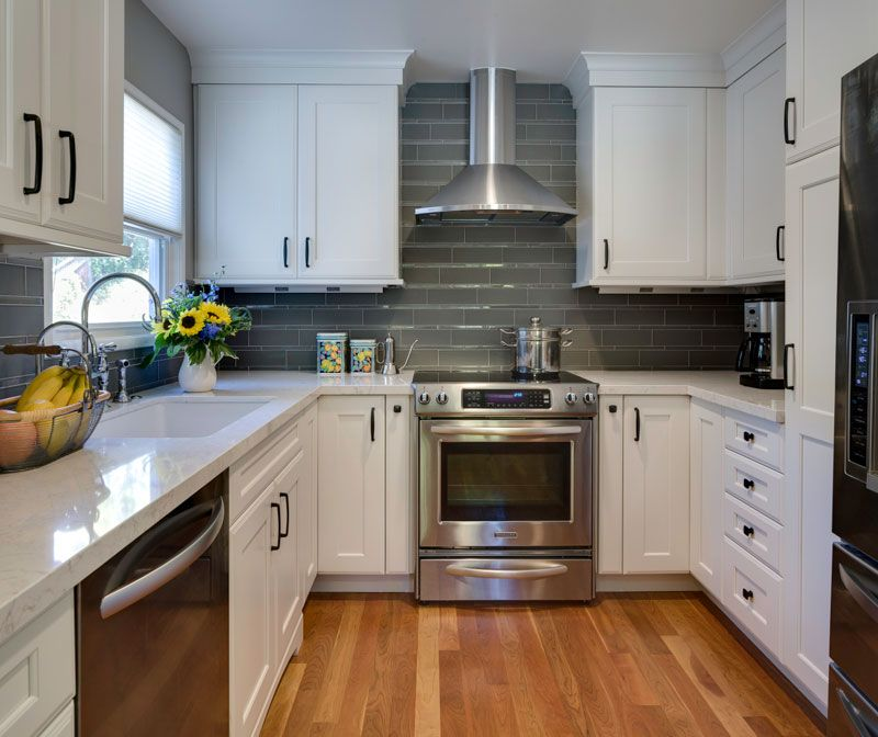 Small Traditional Galley Kitchen Ideas: 10 X 10 Kitchen With Island
