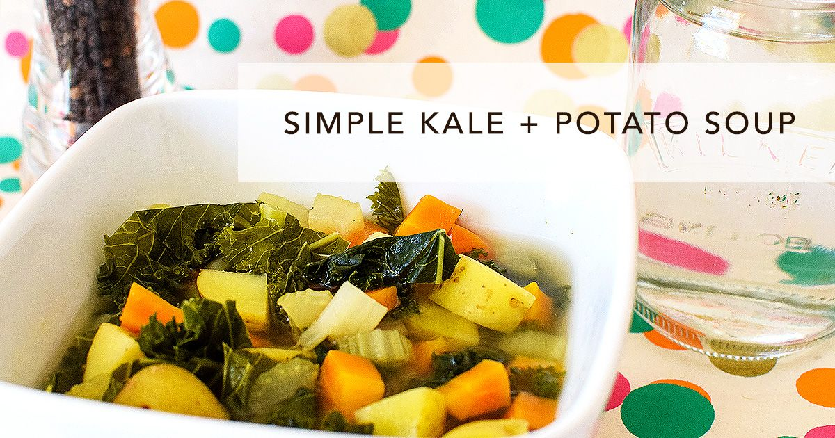 A simple, healthy soup that doesn't even need a blender and comes together in under 30 minutes. What's not to love about this easy kale & potato soup?