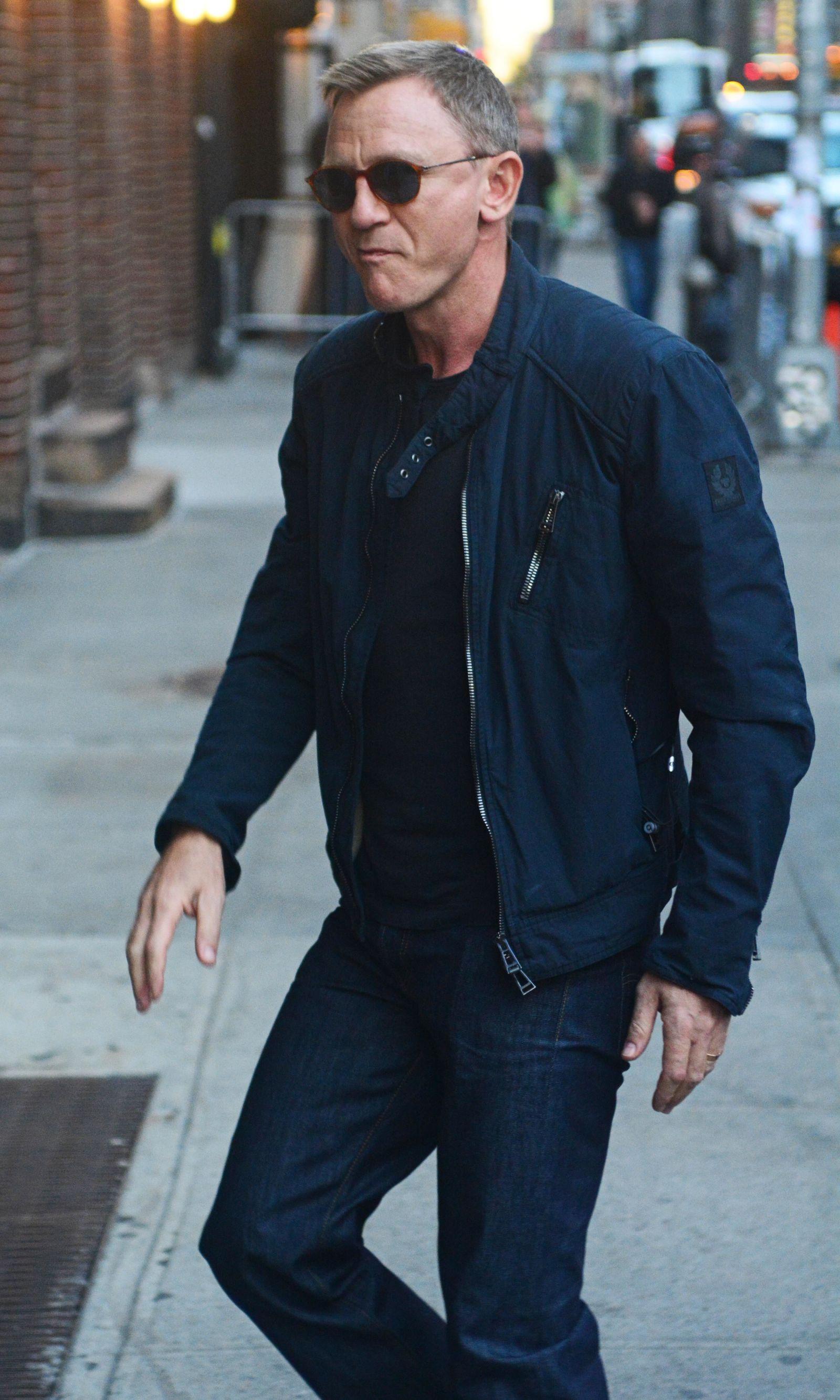 a14aedfbcea 5 Style Lessons You Can Learn From Daniel Craig Estilo De Daniel Craig