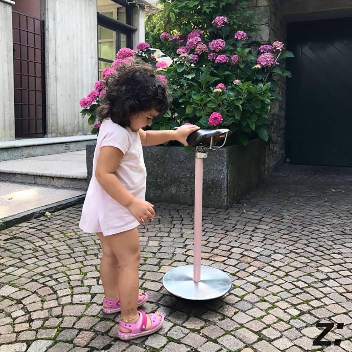 Sgabello stool sella achille pier giacomo castiglioni for Grandi maestri del design