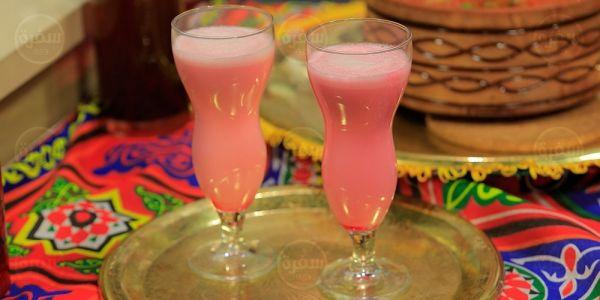 Cbc Sofra طريقة تحضير عصير سوبيا بشربات الفراولة غادة جميل Recipe Milkshake Smoothies Shakes
