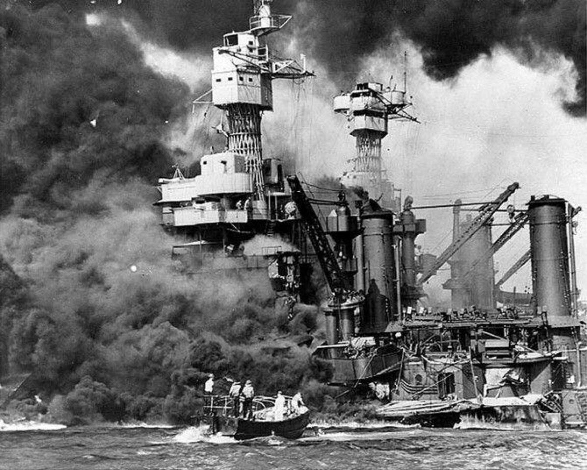 Sailors Rush To Rescue A Survivor Of The Pearl Harbour