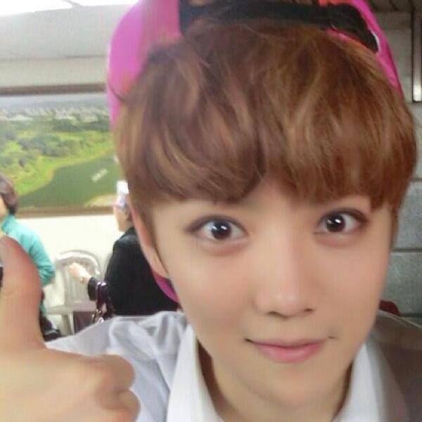 Luhan OMG that eyes! <3