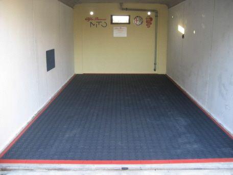 garage bodenfliese bergo royal in graphitgrau garage mit bergo royal bodenbelag pinterest. Black Bedroom Furniture Sets. Home Design Ideas