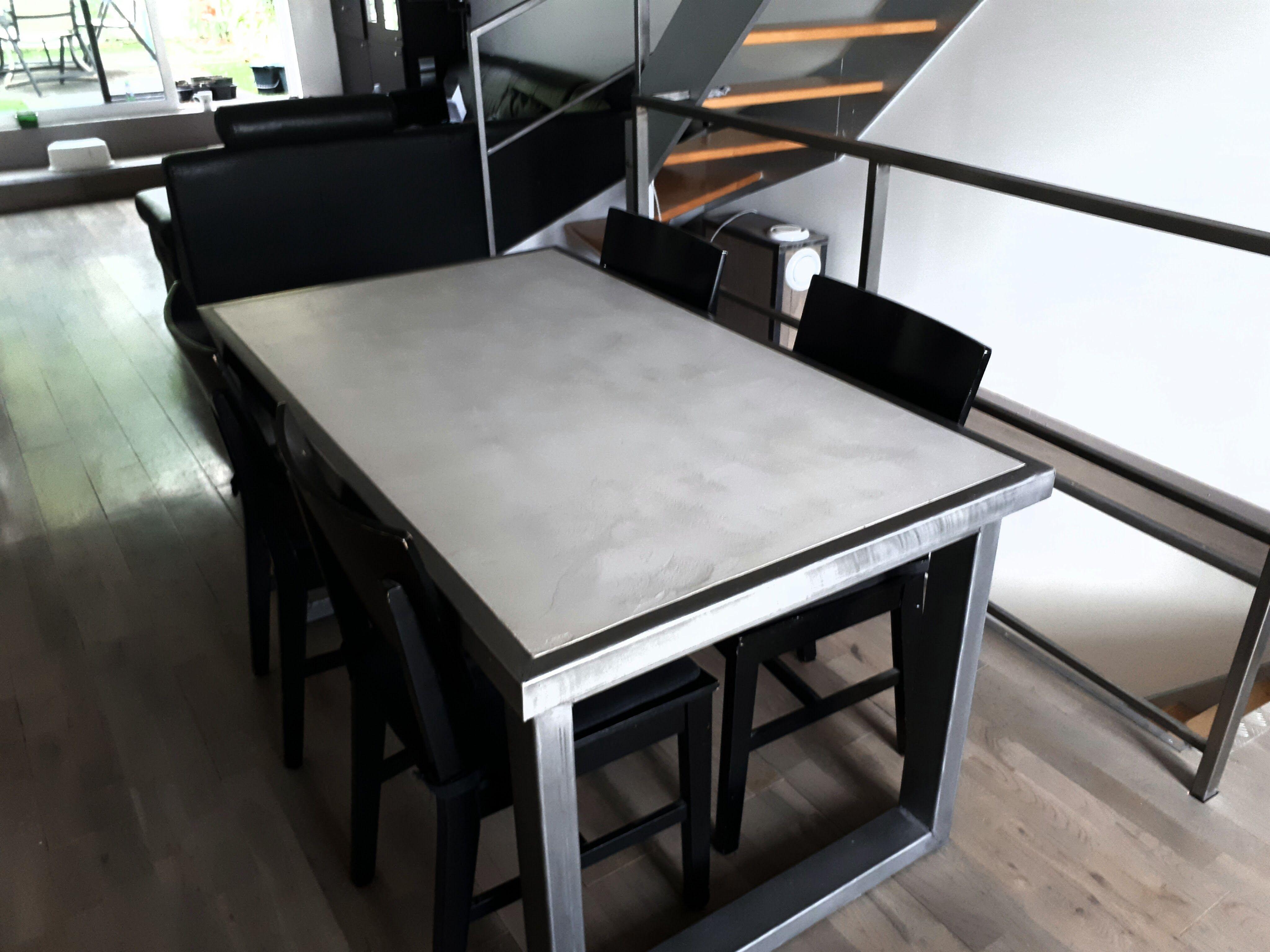 diy table salon indus metal beton cire (steel / concrete table
