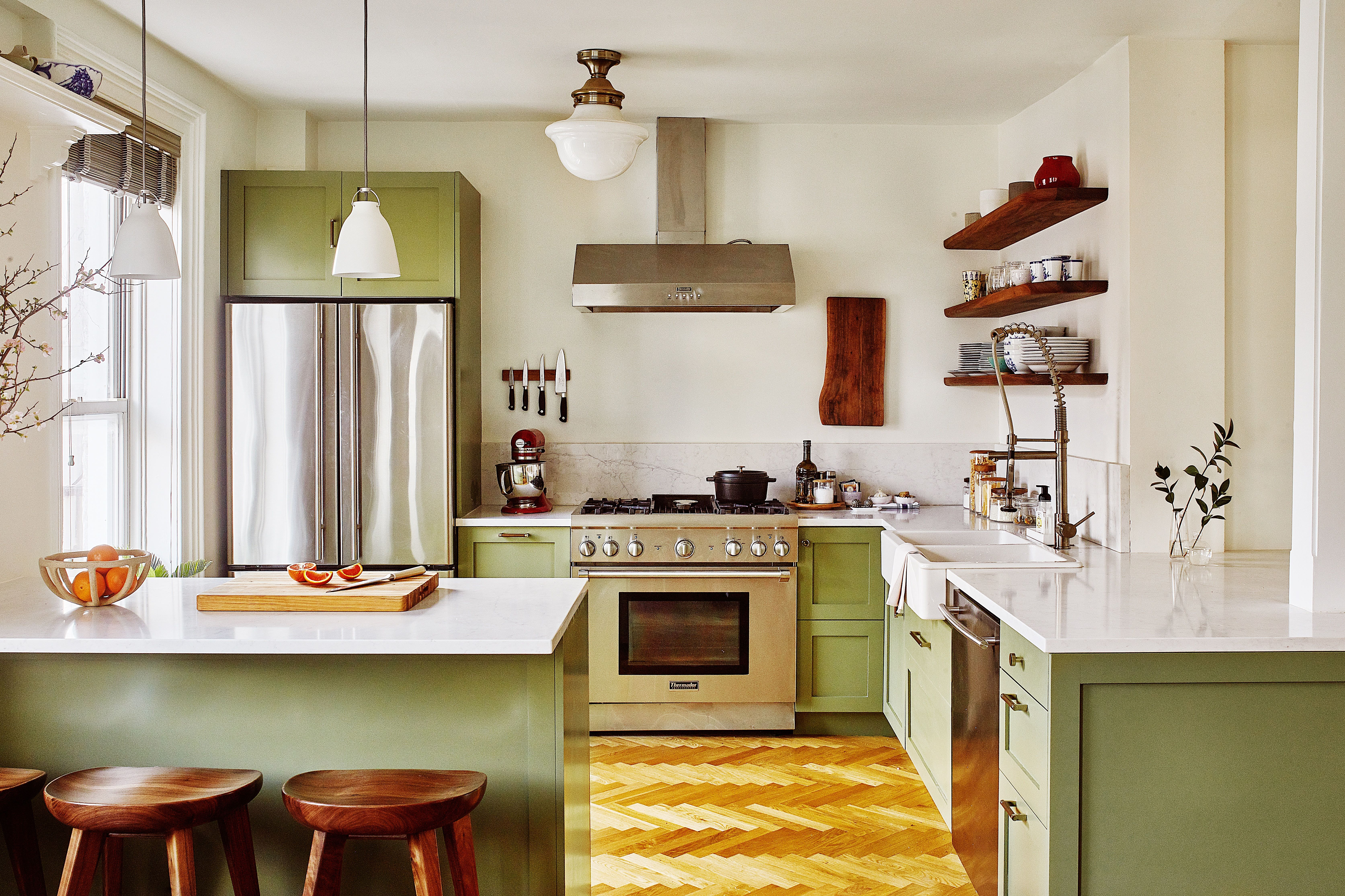 Step Inside Babba Canales Rivera S Brooklyn Apartment Green Kitchen Cabinets Green Kitchen Painted Kitchen Cabinets Colors