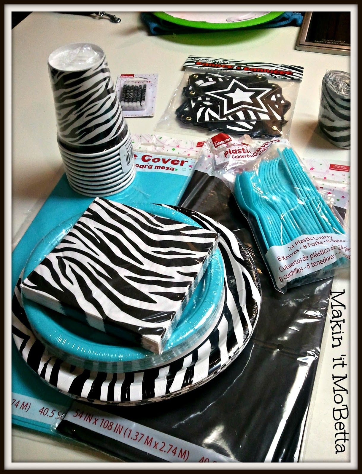 Zebra party table setting. | Science Fair project ideas | Pinterest ...