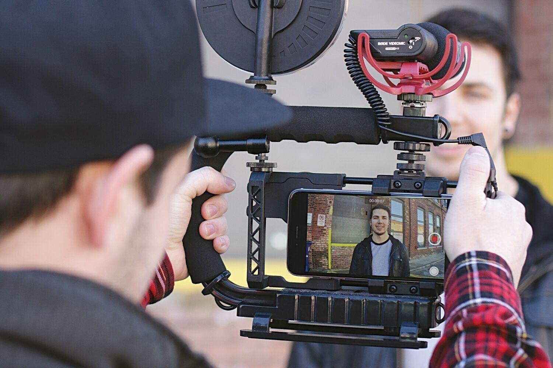 Beastgrip Universal Lens Adapter & Rig For Smartphones