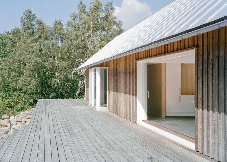 Ferienhaus in Sweden by Architekt Mikael Bergquist Häuser - geometrische formen farben modernes haus