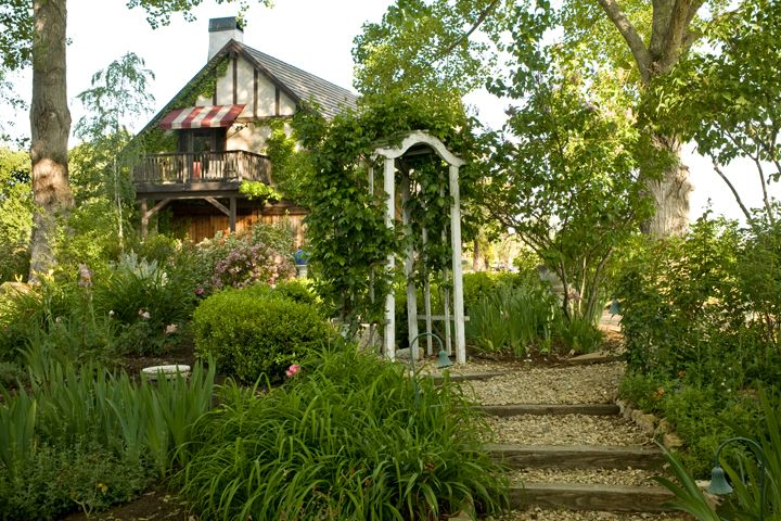 Orchard Hill Farms Lodge style, Wine country, Farm