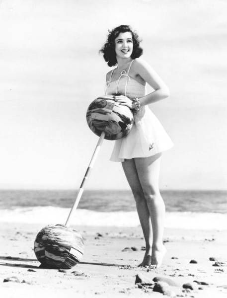 ann rutherford height