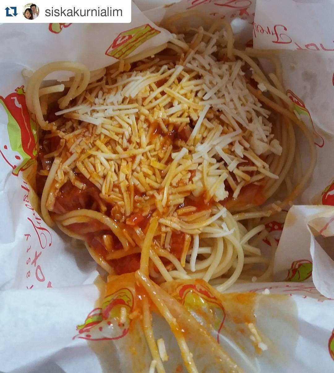 #Repost @siskakurnialim with @repostapp  Spaghetti chicken sausage from @pizzabuah ..