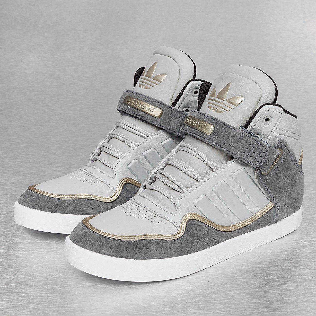 the latest 89403 bc907 Adidas Baskets gris   la mode à mes pieds   Adidas, Adidas originals et  Sneakers