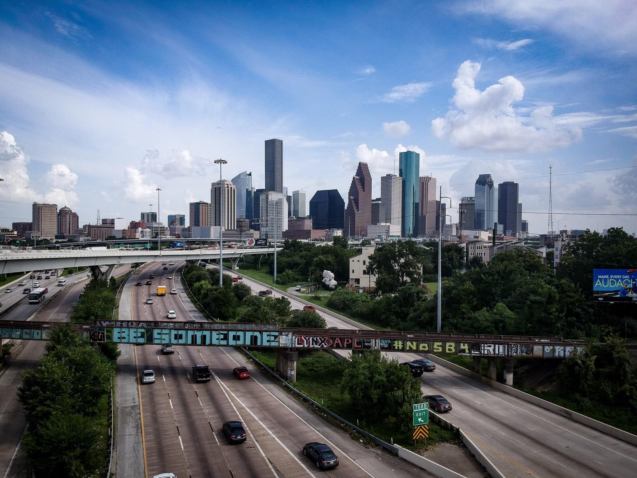 Be Someone In Houston Tx Houston Skyline Houston City Houston Art