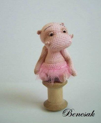 Thread artist crochet miniature Bear-Hippo by Benesak   Osos ...