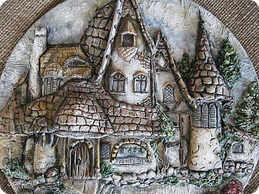 Где-то он есть, этот замок из сказки, Радуга блещет, играя ...