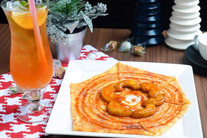 Authentic French Crepes at La Creperie de Caroline! If French food means you've only tried croissants or macarons then it's time to tantalize your taste buds with authentic French sweet crepes at the cozy atmosphere of La Crêperie de Caroline in Bangsar. Bon appétit! #healthy #crepe #kualalumpur