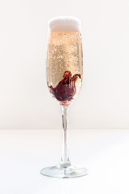 12 Floral Cocktail Recipes To Make Right Now Champagne Cocktail Sparkling Cocktail Cocktail Photos
