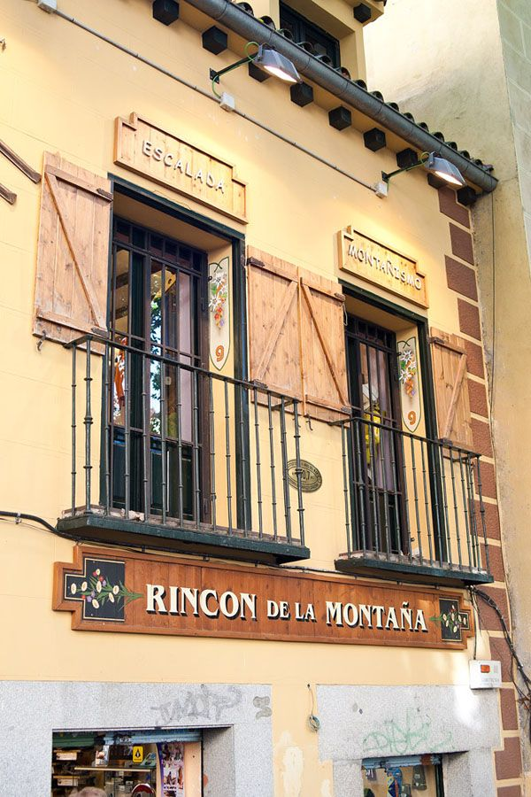 Rastro Market, Ribera de Curtidores, Madrid