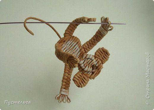 Мастер-класс Поделка изделие Плетение Обезьянки-неунывайки к Новому году Трубочки бумажные фото 22