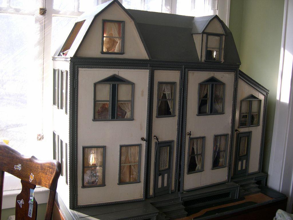 1890 S Fao Schwarz Dollhouse Minatures Dolls Dollhouse Dolls