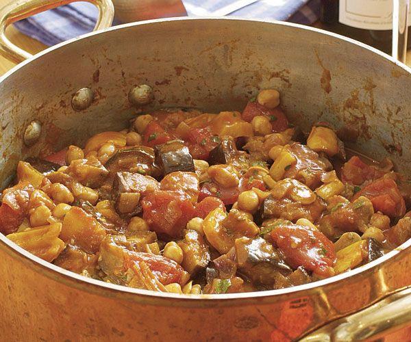 Ragout de berenjena con tomate, pimientos y garbanzos