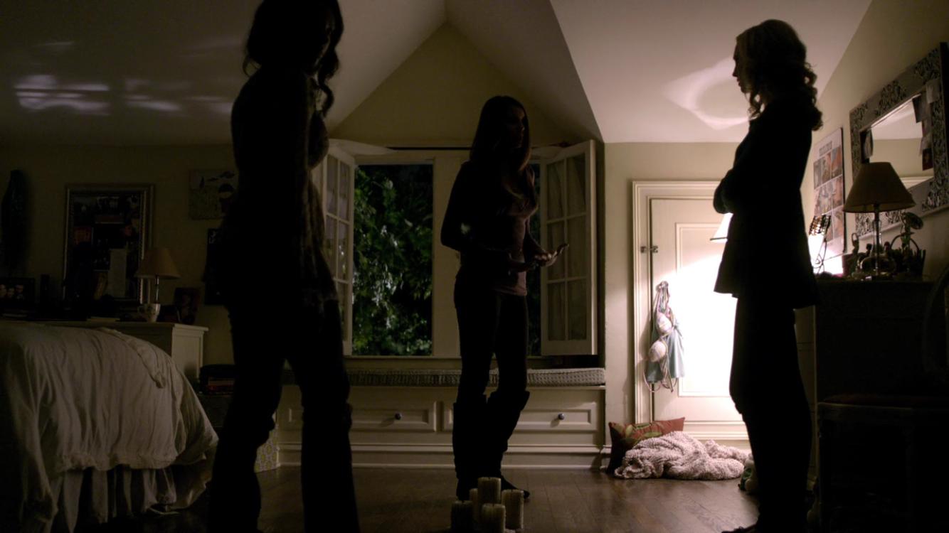 Vampire diaries bedroom - Elena Gilbert S Bedroom