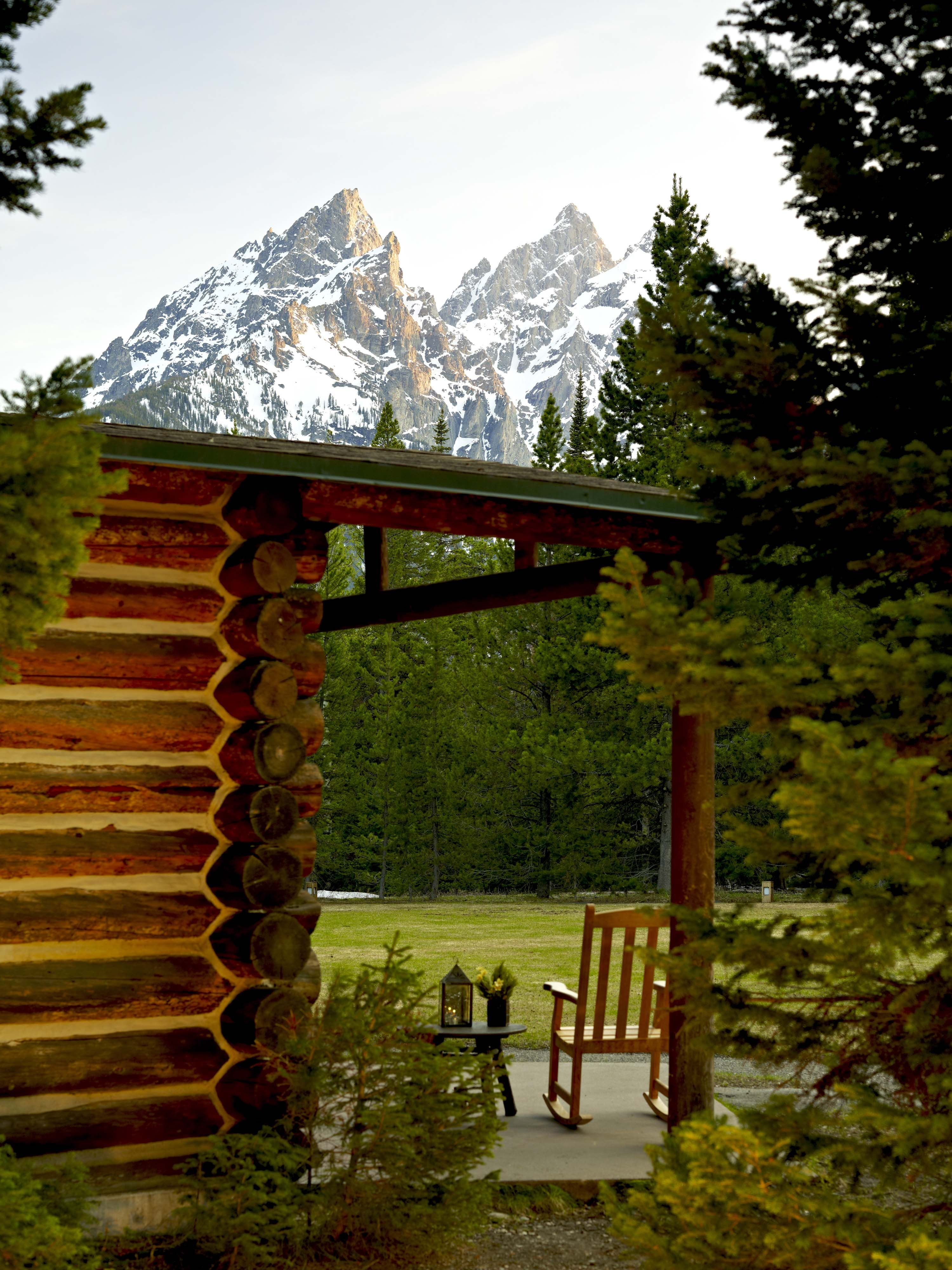 Accommodations at jenny lake lodge a wedding venue in for Cabin wedding venues