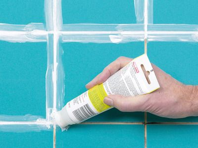 How To Fix Broken Wall Tile And How To Regrout : How To : DIY