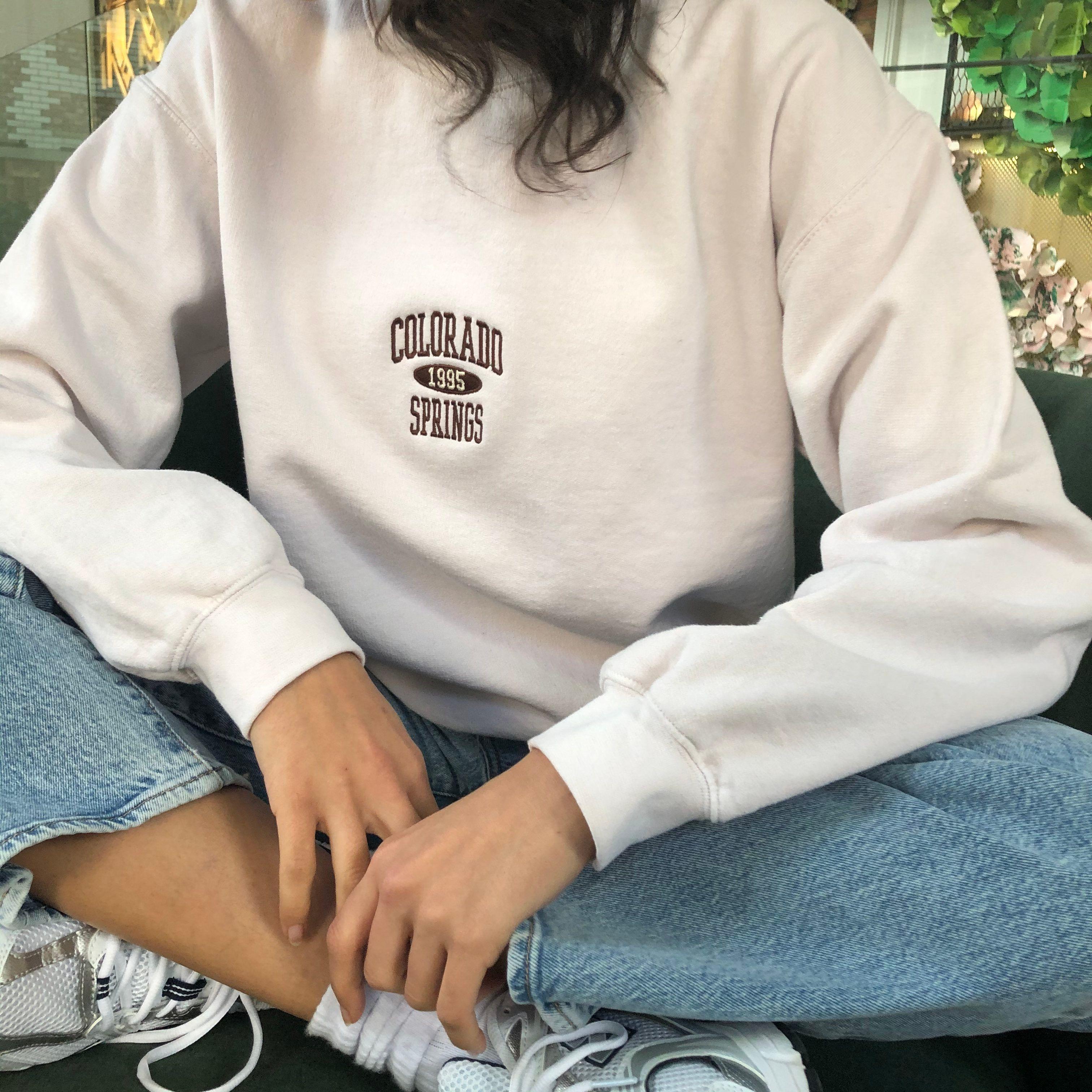 Uo Colorado Springs Crew Neck Sweatshirt Sweatshirts Crew Neck Sweatshirt Spring Sweatshirt [ 3024 x 3024 Pixel ]