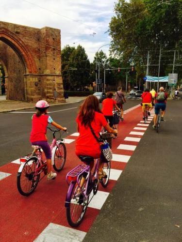 Viaggi: #Bologna i #ciclisti crescono anche grazie alla Tangenziale delle bici (link: http://ift.tt/2ilj1dM )