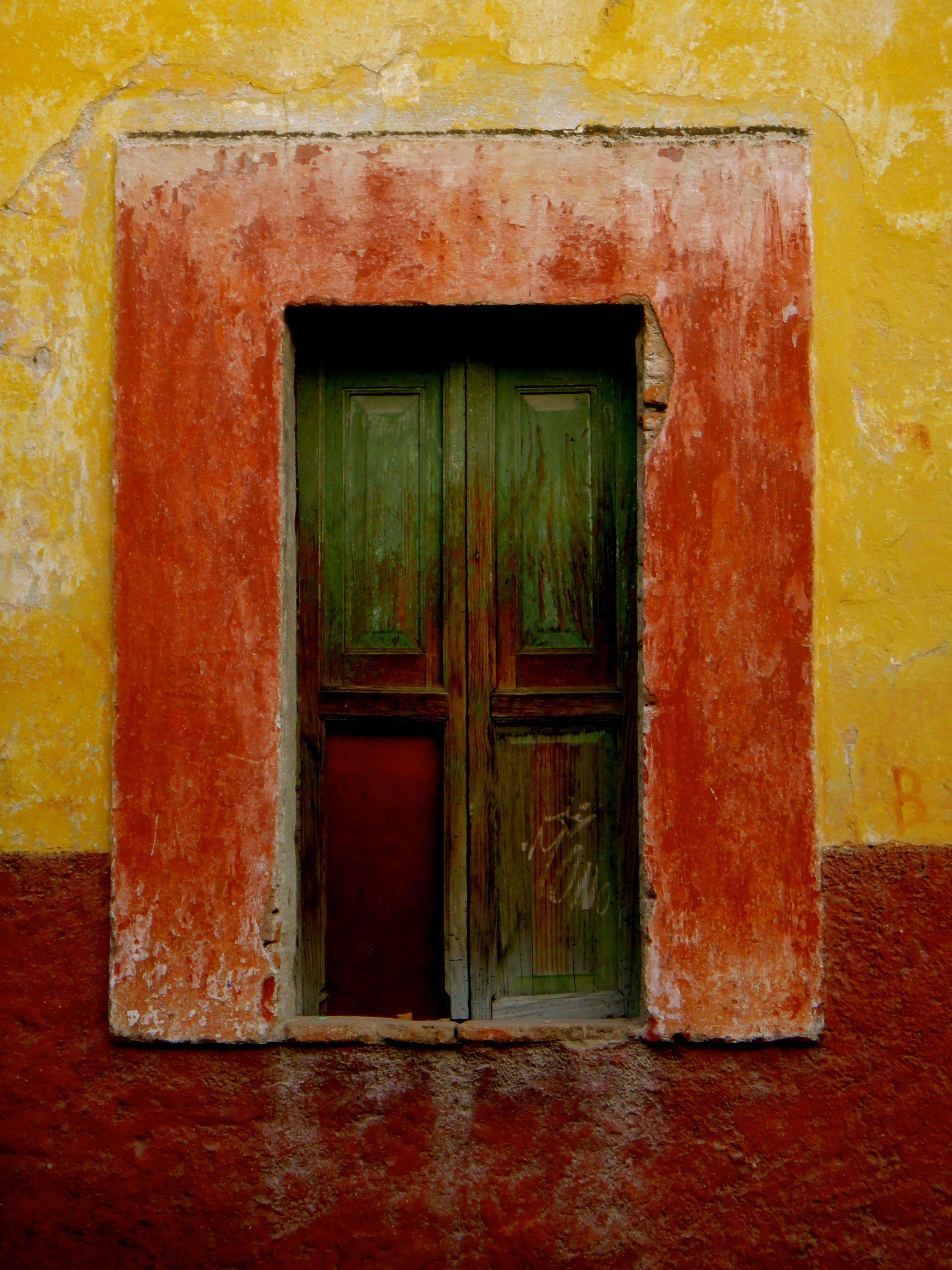 A door in San Miguel Allende Mexico - photograph by Pam Holland & A door in San Miguel Allende Mexico - photograph by Pam Holland ... pezcame.com