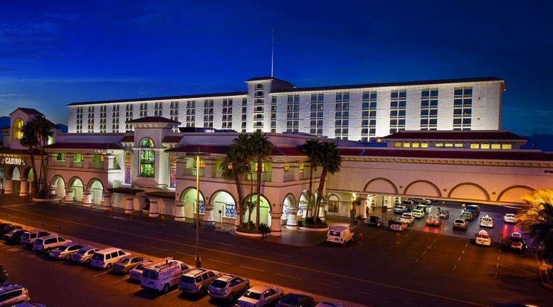 Great Deals And Best Prices At The Gold Coast Hotel Casino Las Vegas Nv Book Now 002 Hotel Casino Las Vegas Coast Hotels Gold Coast Casino Las Vegas