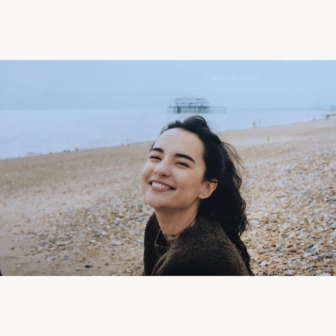 183 вподобань, 2 коментарів – Jessie Mei Li (@jessie_mei_li) в Instagram: «taking pictures of pictures 📷 @henrysgale…   Pretty face, The grisha trilogy, Woman face