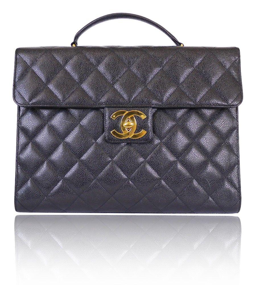 Nice  laptop  bag!  chanel   Special things   Pinterest   Bolsinhas efcbabfd78
