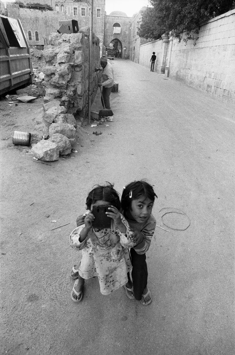 Jean Mohr. The photographed photographer, Jerusalem, 1979.