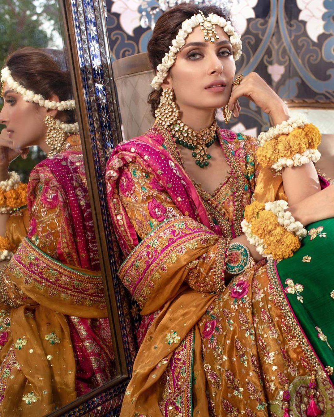 Pakistani Wedding Ideas: Latest Beautiful Ideas For Mehndi Dresses