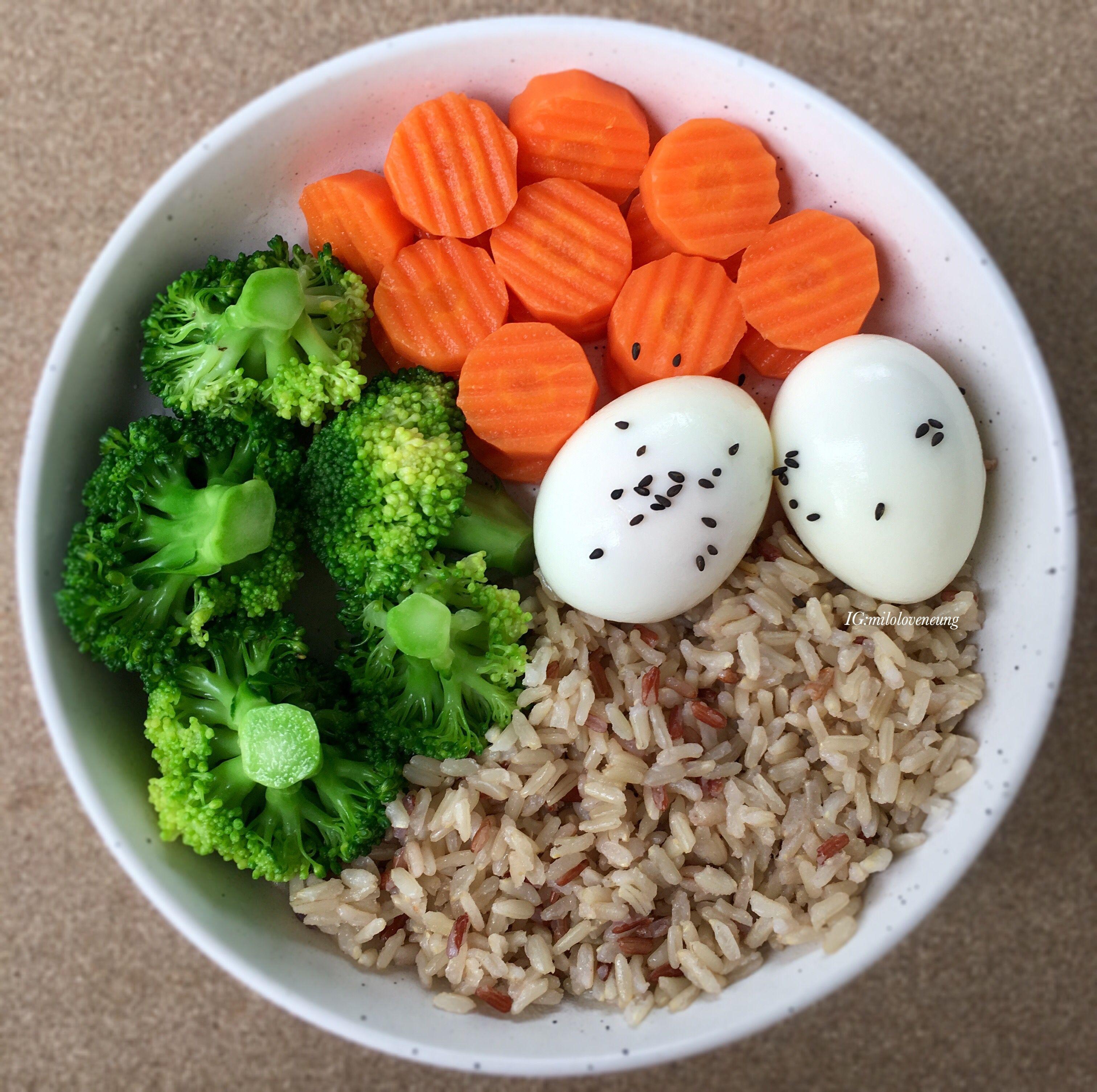ม อเช าค ะท กคน ข าวไข ต ม ง ายท ส ดแล วค ะในเวลาน พ ซ อไข ต มส กและ ข าวกล องจาก7 11มาเตร ยมไว ตอนเย น Workout Food Healthy Snacks Recipes Aesthetic Food