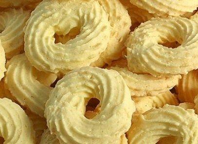 1 xícara(s) (chá) de leite 1 unidade(s) de ovo 1 colher(es) (chá) de sal 1 colher(es) (chá) de açúcar 1 1/2 xícara(s) (chá) de farinha de trigo 1 colher(es) (sopa) de fermento químico em pó 1 colher(es) (sopa) de margarina Comentários comments