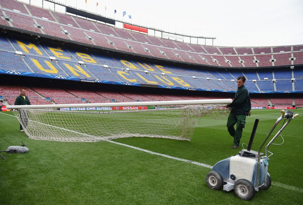 eb5061913 Groundsman put up the goal posts prior to the UEFA Champions League Round  of 16 second leg match between Barcelona and Manchester City at Camp Nou on  March ...