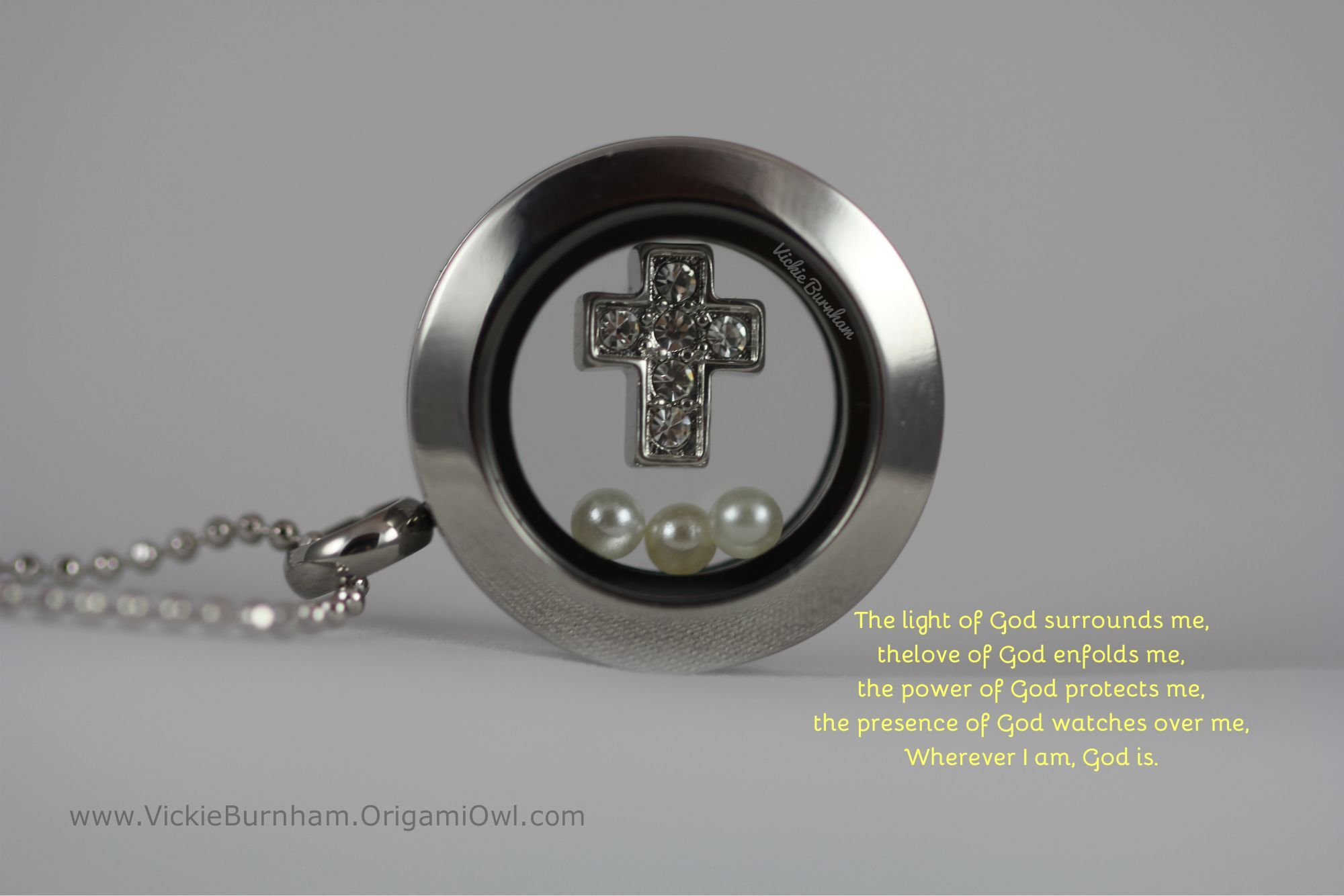 Mini locket with a silver crystal cross and 3 pearls this was a mini locket with a silver crystal cross and 3 pearls this was a baptism locket crystal crossorigami owl locketscommunion jeuxipadfo Image collections
