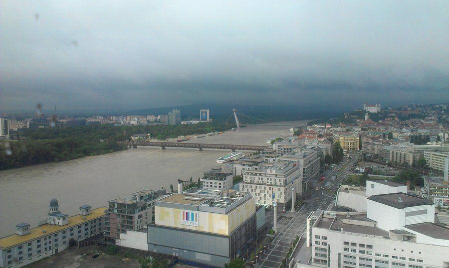 Dunaj a Morava stúpajú (utorok) 4.jun 2013 | Sme.sk
