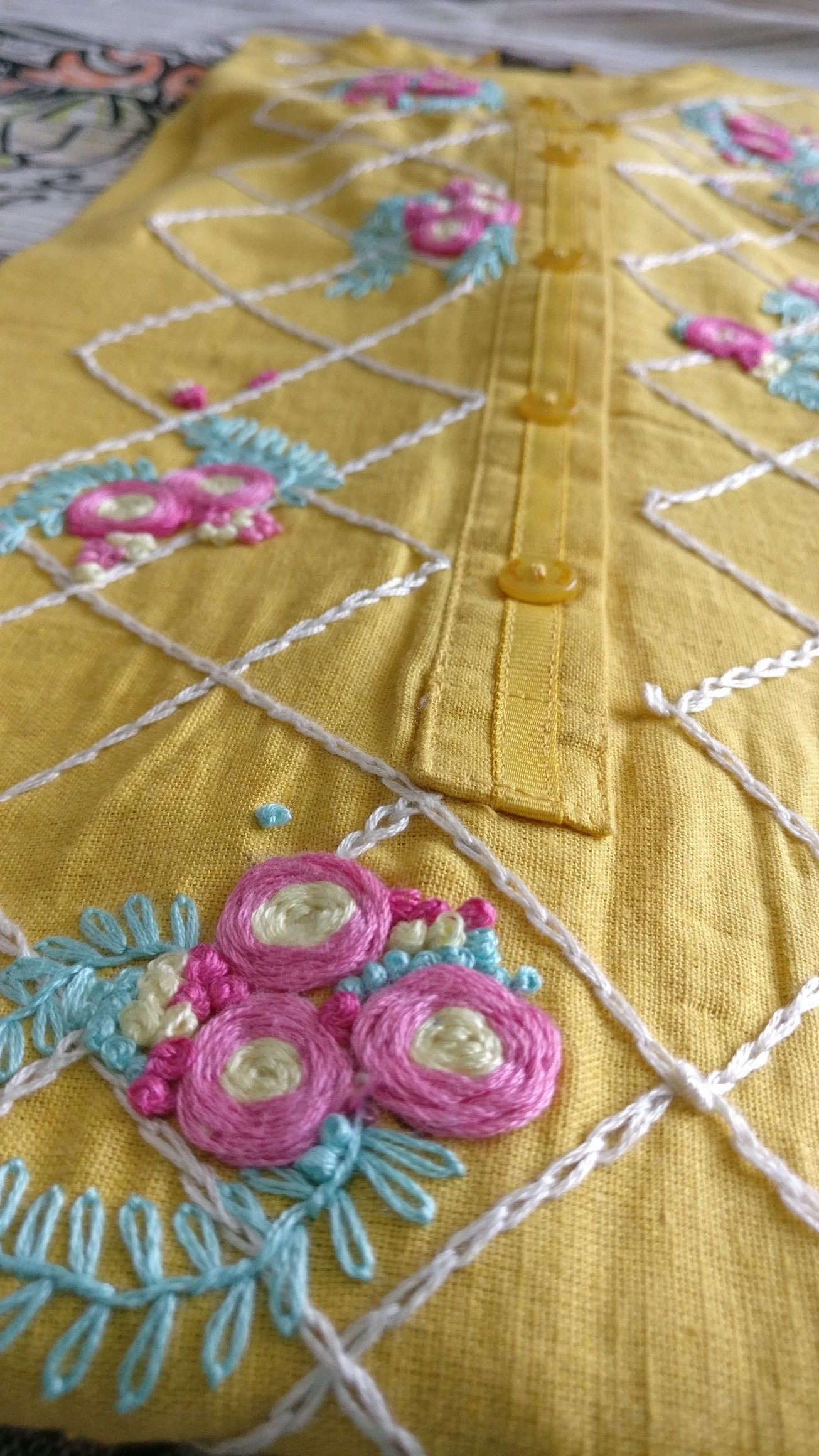how to make a french knot in sewing