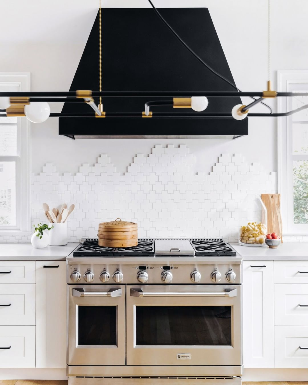Lonny On Instagram The Definition Of Backsplash Goals Design By Kerramichele Photography By Kitchen Range Hood Stylish Kitchen Black Range Hood